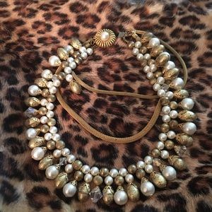 Jewelry - Fabulous pear style with gold tone pieces